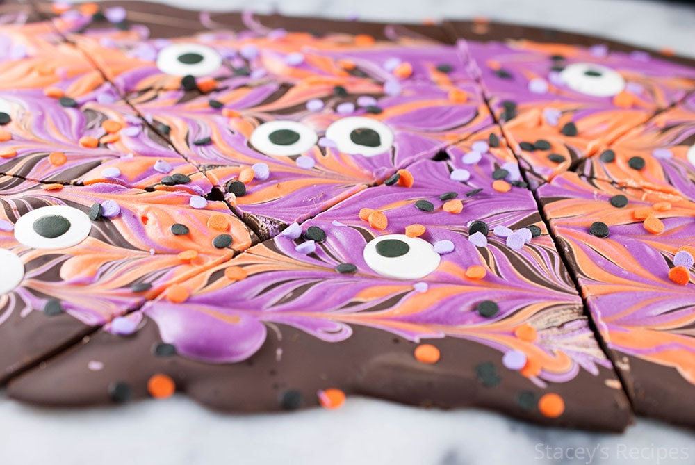 This 3 ingredient bark is the easiest treat you'll make this Halloween! | www.staceysrecipes.com